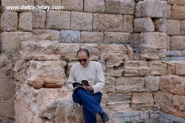 knidos stoa'da bir şair