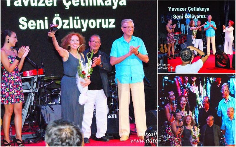 Meral Çetinkaya ve arkadaşları anfi tiyatro sahnesinde