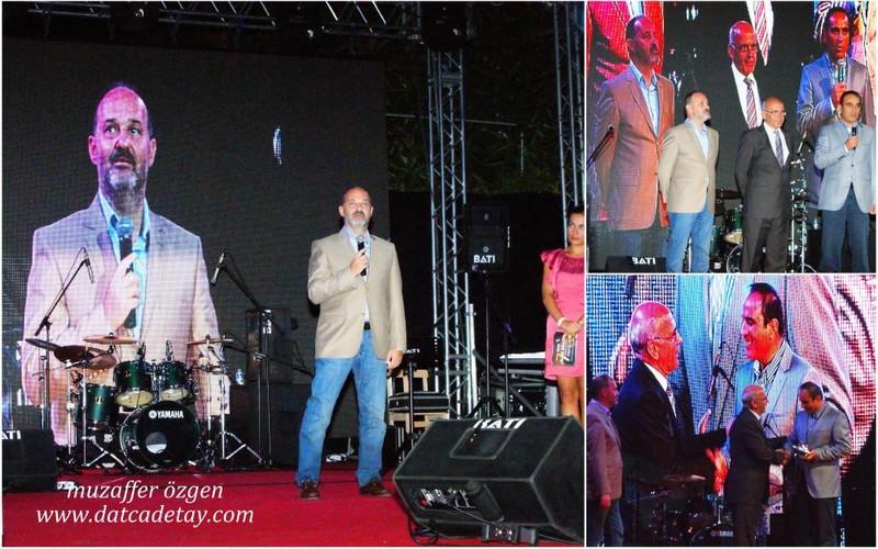 Şener Tokcan TRT ye ödülünü verdi