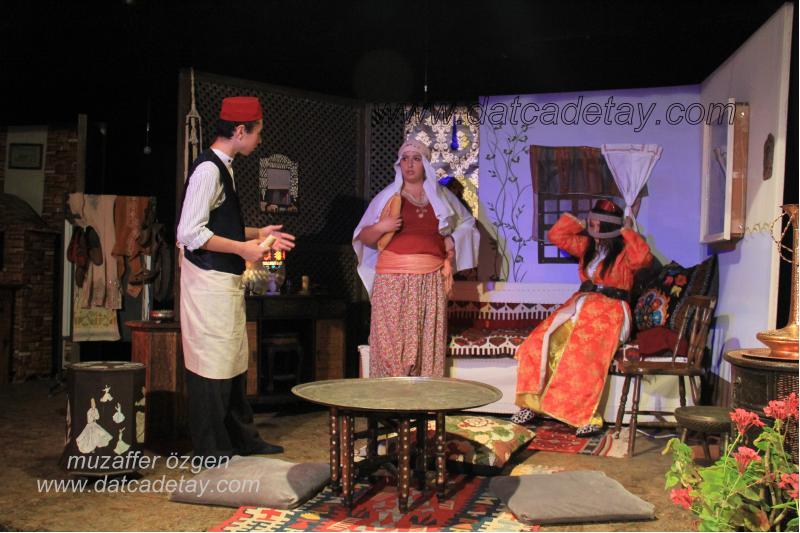okul-tiyatrosu-3