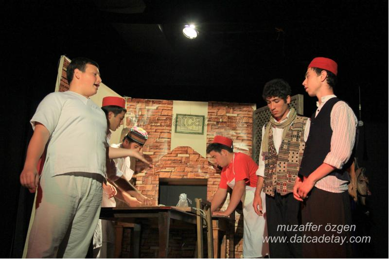 okul-tiyatrosu-7