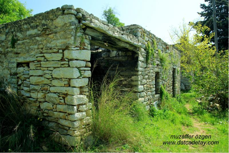 sındı köyünde geleneksel ev