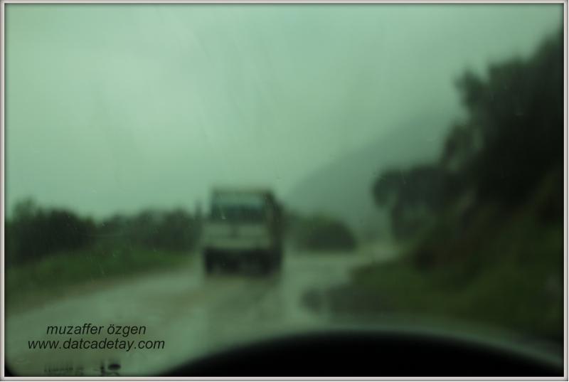 yağmurda yolculuk