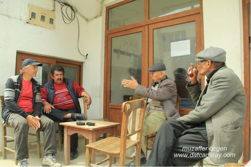 yazıköy kahvede köylülerle