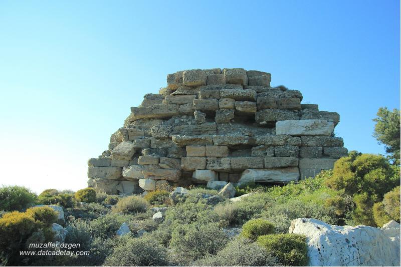 knidos aslanlı mezar yapısı