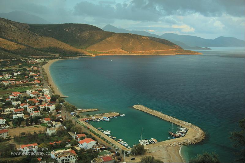 palamutbükü limanının dağlardan görünüşü