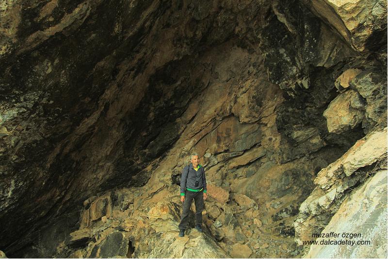 knidos deveboynu yarımadası mağara
