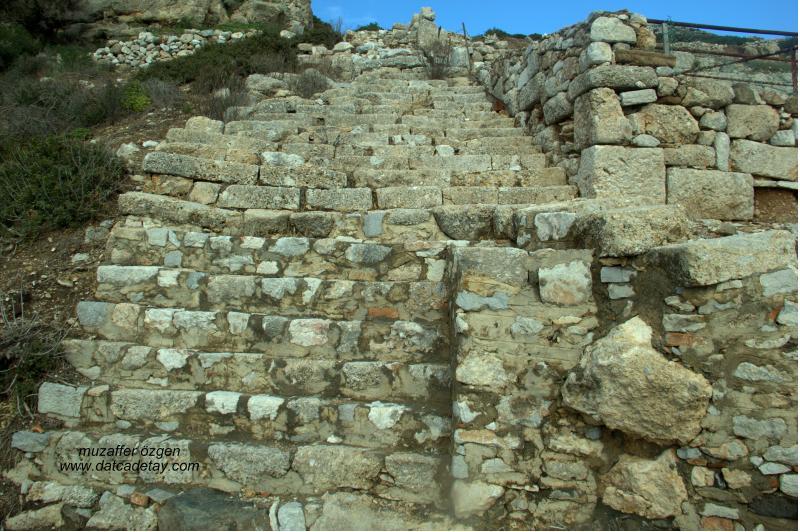 knidos yamaç evleri merdivenleri