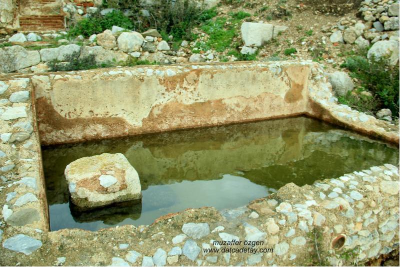 knidos yamaç evleri havuz