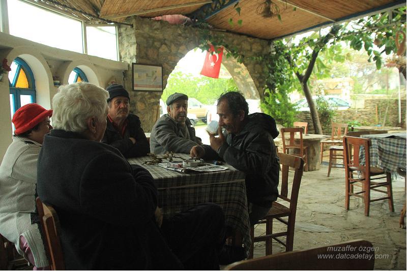 orhan'ın kahvesinde eski datçalılar