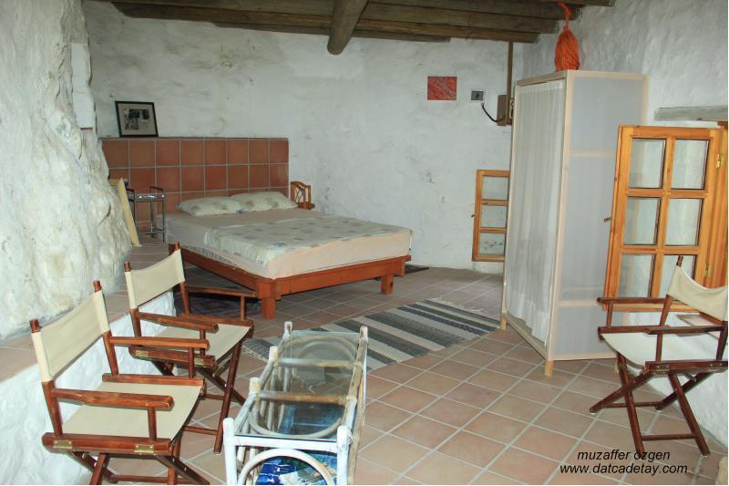 knidia çiftliğinde otel olarak kullanılan eski değirmen