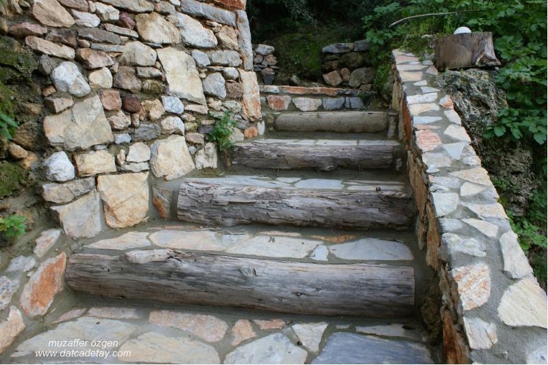knidia'da taş merdivenler