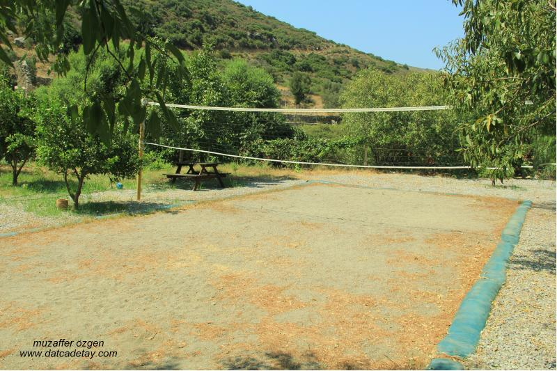 knidia çiftliğinde veleybol sahası