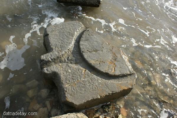 üzüm ezmek için kullanılan antik pres altlığı