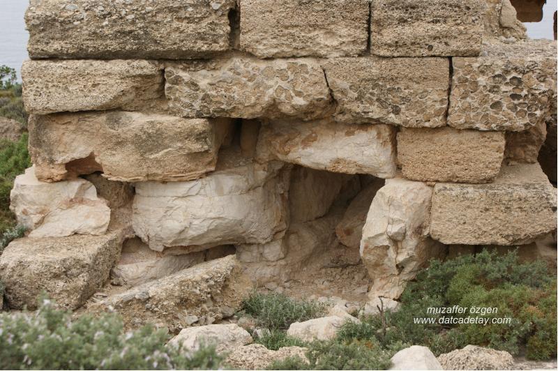 knidos-aslanli-mezar-11