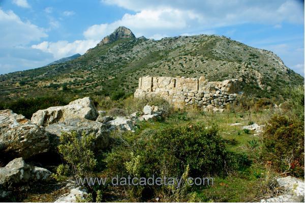 yazıköy akropol tepesi