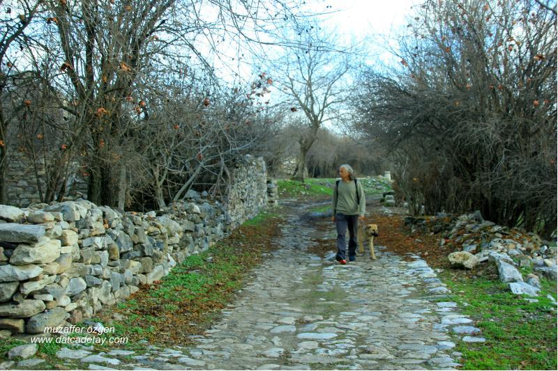 Stratonikeia taş yolları