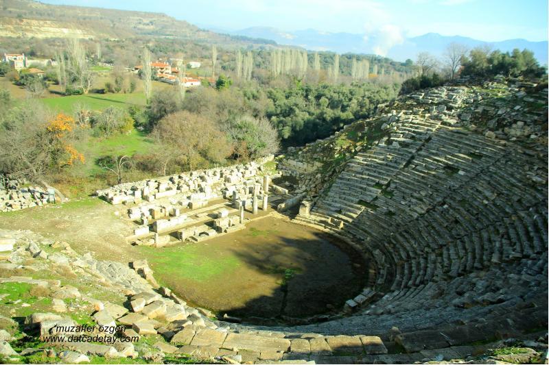 Stratonikeia tiyatro