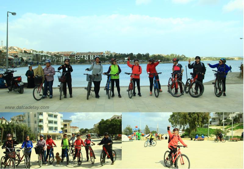 emekçi kadınlar gününde süslü kadınlar bisiklet grubu